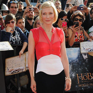 Cate Blanchett arrives at The Hobbit premiere