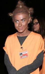 """Julianne Hough dawns """"blackface"""" for halloween"""